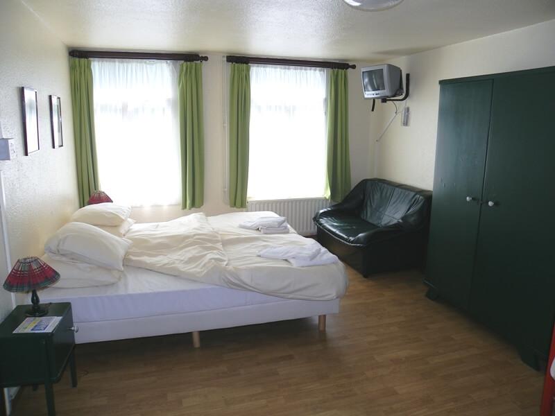 Groepsaccommodatie 1 Slaapkamers : Groepsaccommodatie la roche woning voor personen