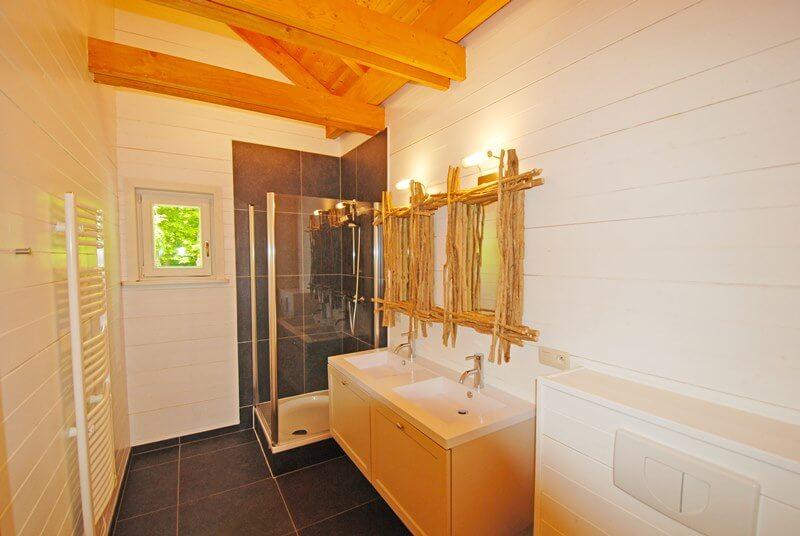 Luxe Chalet Badkamer : Luxe chalet durbuy vakantiewoning midden in het bos