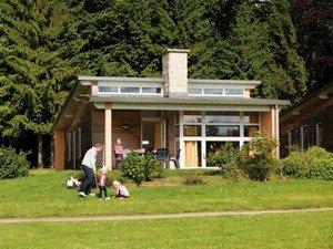 Een bungalow huren in de Ardennen doet u natuurlijk bij Ardennenplezier!