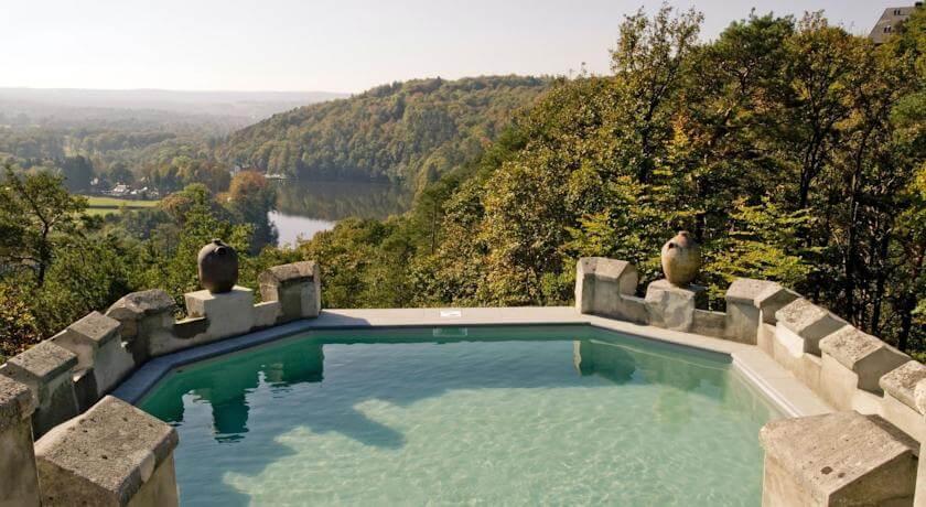 Beleef een unieke vakantie in Le Château de Balmoral nabij Spa!